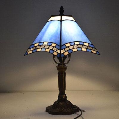 Настольная лампа тиффани с голубым абажуром