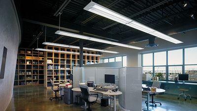 Офисные люминесцентные светильники, фото